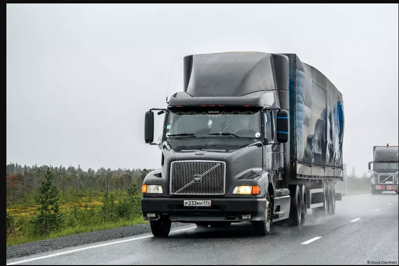 IoT News: Volvo's trucks and cars will communicate to improve safety